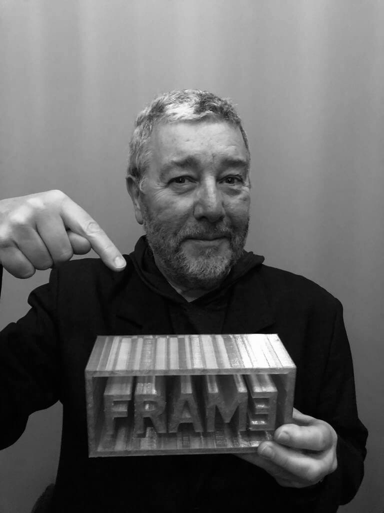 PHILIPPE STARCK HONORÉ DU « LIFETIME ACHIEVEMENT AWARD » DE FRAME MAGAZINE.